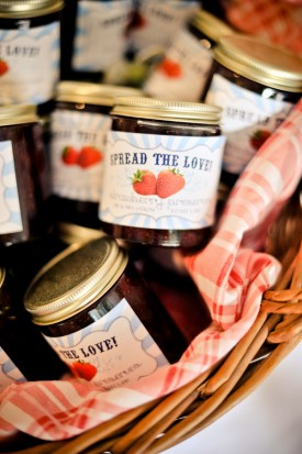 Summer-Virginia-Farm-Wedding-Reception-Jam-Favors-275x413
